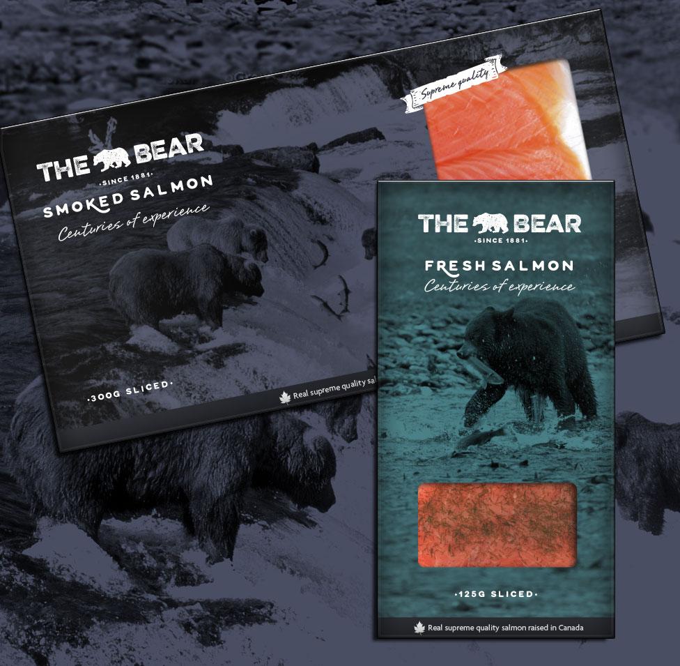 The Bear packs salmón